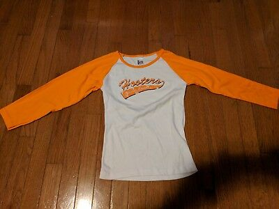 Hooters long-sleeve jersey tee Windsor, Canada size small