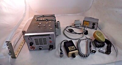 Johnson Messenger Viking Tube Type CB / Ham Radio Vintage + Lafayette S-Meter