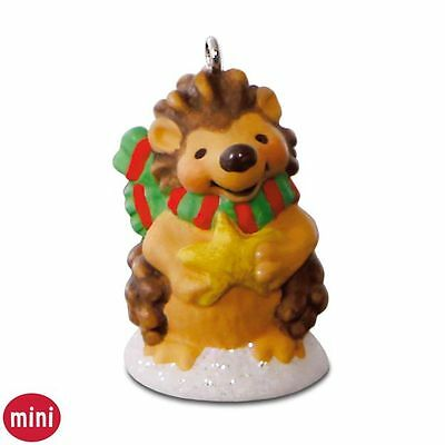 2016 Hallmark Quill You Be my Snow Buddy? Miniature Ornament Hedgehog Keepsake