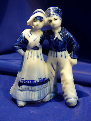Biscuit Emaille.  Westende Bains, Signe Delft. Jolipetit Couple.   Ref 5161