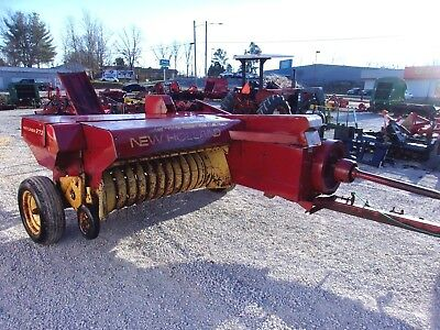 New Holland 273 Square Hay Baler -------- CAN SHIP @ $1.85 loaded mile
