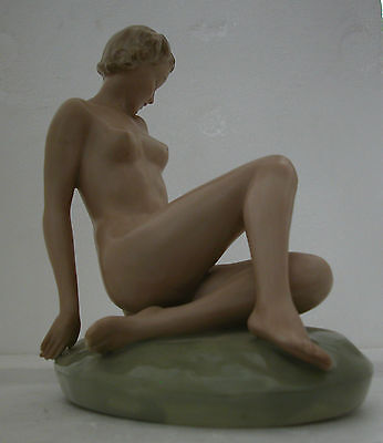A Fine Vintage  Lovely Art Deco Figurine Of A Young Nude Lady          (Z)