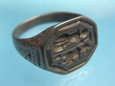 Stunning Wearable Large 17th~18th Century White Metal Lovers Seal Ring.  (A1036)