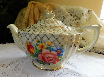 Beautiful Vintage Sadler Teapot Gold & White with Flowers