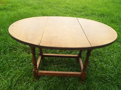 Antique English Oak Small  Drop Leaf Coffee Occasional Lamp Table Swivel Top