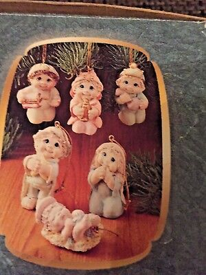2001 GIFTCO, DREAMSICLES LOLYSTONE NATIVITY ORNAMENTS (6 pieces) size 2 inches