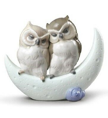 Nao By Lladro Porcelain Figurine Love Story  02001901