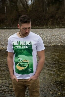 PETRI CLOTHING - NEVER ALONE Shirt / Angeln Angler Anglershirt you never walk