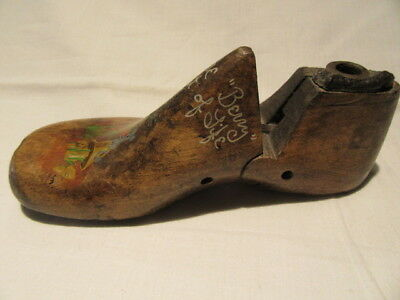 "Antique Vtg  Child Last Shoe Has Bunny Painted On It Says ""berry"" Berry Shoe Co"