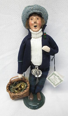 Byers Choice The Carolers Cries of London 1998 Man Candle Vendor