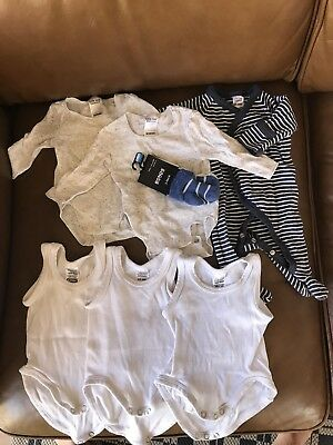 Bonds Newborn Unisex Clothes Bundle (size 0000)