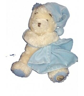 Peluche Winnie blanc Couverture bonnet bleu It's a Boy Disney Store 32 cm