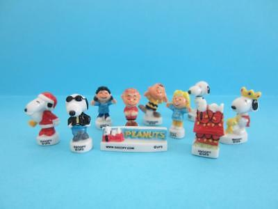Snoopy and Peanut's gang porcelain Christmas Figurines, they are lovely *Mint*