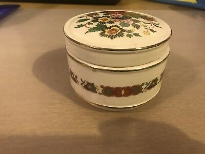 Sadler rare collectible 1980's / 90's Porcelain pot with lid