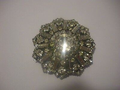 Vintage brooch with lots of sparkle