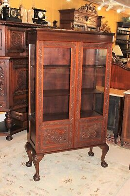 Beautiful English Antique Solid Mahogany Bowl & Claw Glass Door Display Cabinet.
