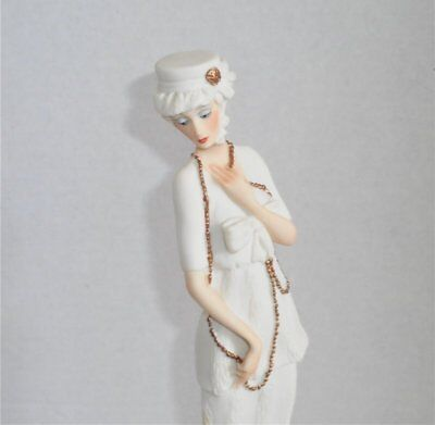Giuseppe Armani 1987 Lady In White & Gold Embelishments Figurine - Italy