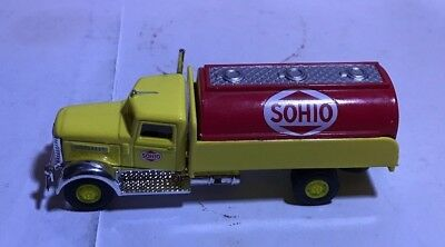 SOHIO 1/87 Peterbilt Yellow Tanker HO scale tank truck gas delivery