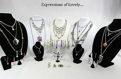 Large lot of vintage to modern jewelry. Huge lot of affordable jewelry. Fashion