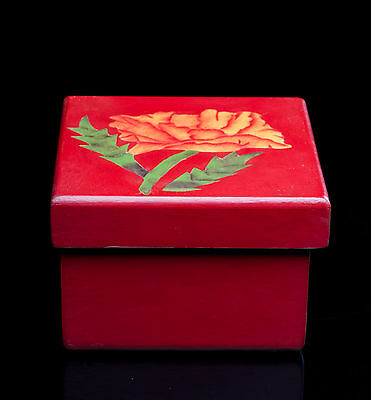 MAQUE LAQUER RED BOX with flower Michoacán Mexico