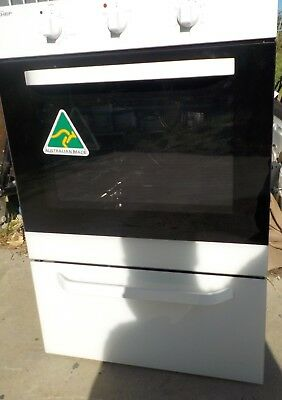 Chef Electric Wall Oven and Grill EXC617W New Never used,,