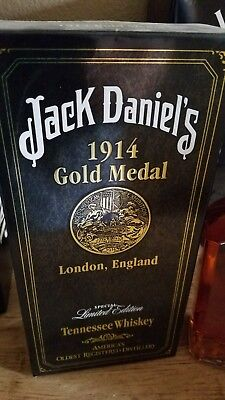vintage jack daniels gold medal 1914 bottle rare to find 1 litre