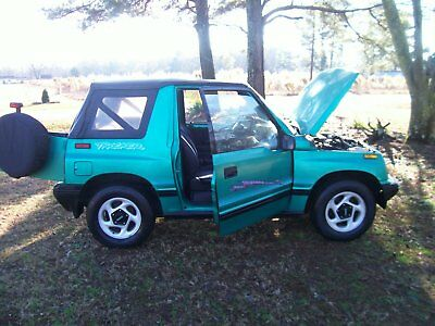 1995 Geo Other  1995 GEO TRACKER CONVERTIBLE AUTO. SIDEKICK JEEP SUV TOWING. TOW