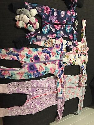 Bonds One Pieces And Socks Size 0
