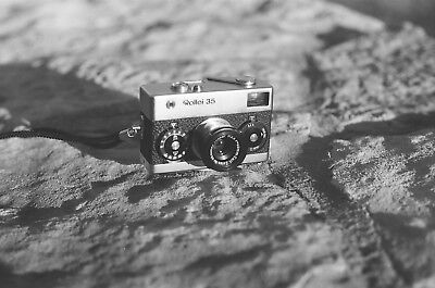 Rollei 35 w/Zeiss Tessar 40mm f/3.5, made in Germany