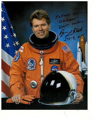 Byron Lichtenberg Original Signed Authentic Autograph NASA STS-9, 45 Space