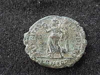 Lovely detailed later Roman bronze coin unresearched, uncleaned condition L51p