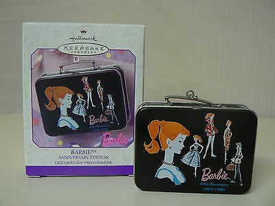 Hallmark Ornament 1999 BARBIE 40TH ANNIVERSARY Lunchbox Pressed Tin Opens Spring