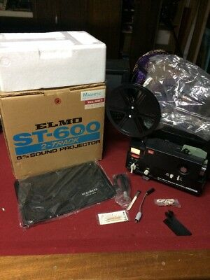 Elmo ST 600 M Super 8mm Home Movie Sound Projector w/ Mic/Cover/ Original Box