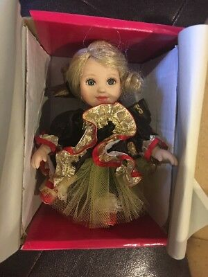 MIB Marie Osmond Doll SPECIAL DARK CHOCOLATE HERSHEY'S MINIATURES ORNAMENT & Box