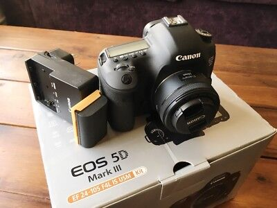 Canon 5d mark iii *AS NEW*- with 50mm 1.8 and Extra Battery