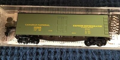 N Scale Micro Train Lines Canadian National 40' Wood Reefer #49570