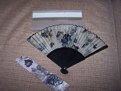 Chinese Hand Fan by Wang Xing Ji  with Fabric Case