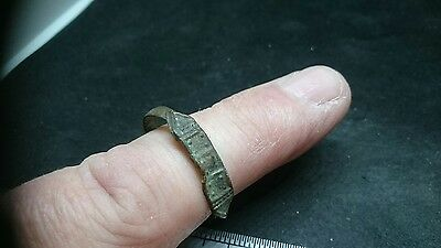 Lovely design Roman bronze ring, bent but could be made wearable L408
