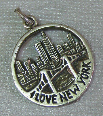 Estate Sterling Silver I LOVE NEW YORK Skyline Twin Towers Round Pendant