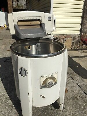 Speed Queen Wringer washer Model A91 good condition for age