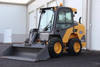 2015 Volvo MC135 Skidsteer Skidloader Bobcat 205 hours!! Excellent Condition!