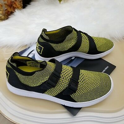 separation shoes a804e f641c Nike Men s Air Sockracer Flyknit Running Shoes Size 9.5 Yellow Strike 898022 -700