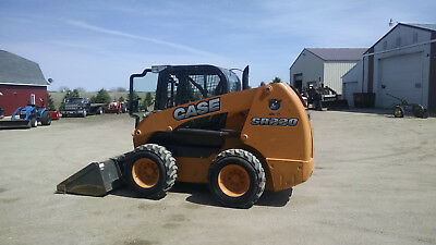 Case skidsteer loader SR220, 2012 year model, 400 hours, loaded, cab,
