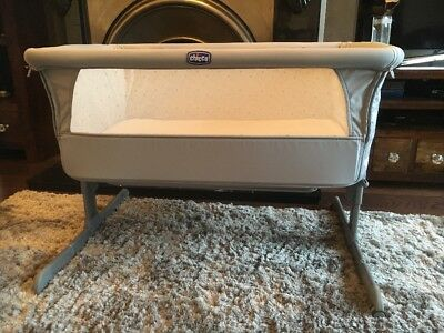 Chicco Next2Me Crib - Dove Grey Circles - Perfect Condition