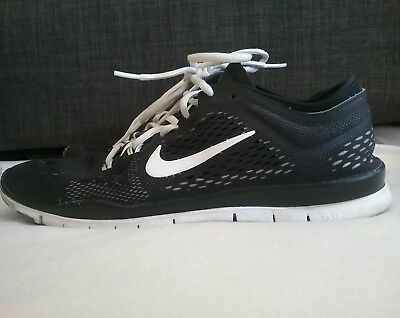 NIKE BLACK WOMANS Running Shoes