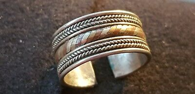 Exquisite Vintage Islamic mixed metal adjustable finger ring very wearable. L7a