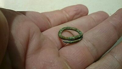 Celtic Bronze coil snake hair ring lovely personal item very wearable still L98