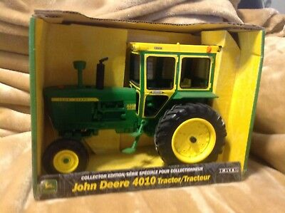 40th Anniversary John Deere 4010 Collector Edition with Hiniker Cab 1/16 Scale