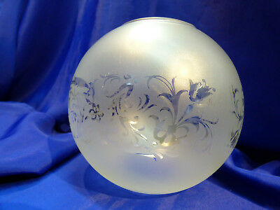 GLOBE DE LAMPE A PETROLE EN VERRE SATINE & DECOR . H 117 mm D 61 mm. REF 5067