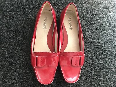 DIANA FERRARI SuperSoft Patent Leather Red Flats - size 71/2 - AS NEW